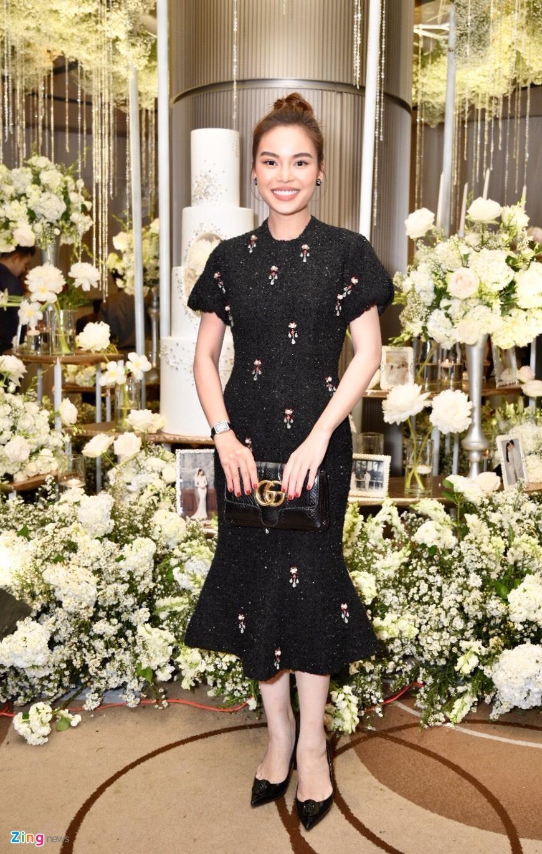 Tran Thanh cung dan sao du tiec cuoi cua Duong Khac Linh va Sara Luu hinh anh 12