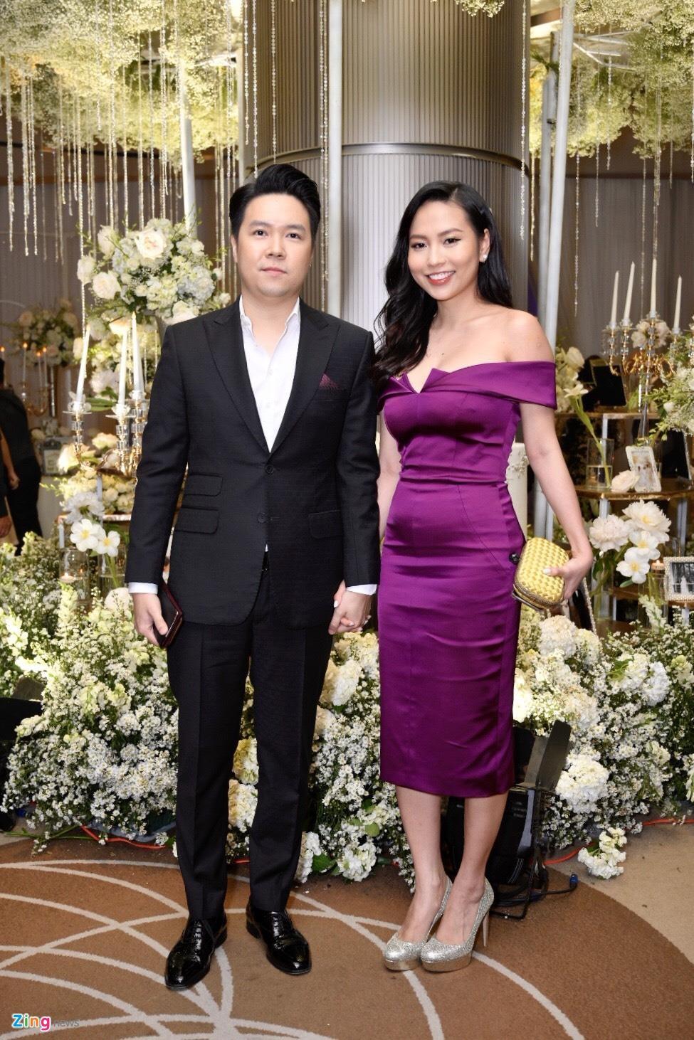 Tran Thanh cung dan sao du tiec cuoi cua Duong Khac Linh va Sara Luu hinh anh 5