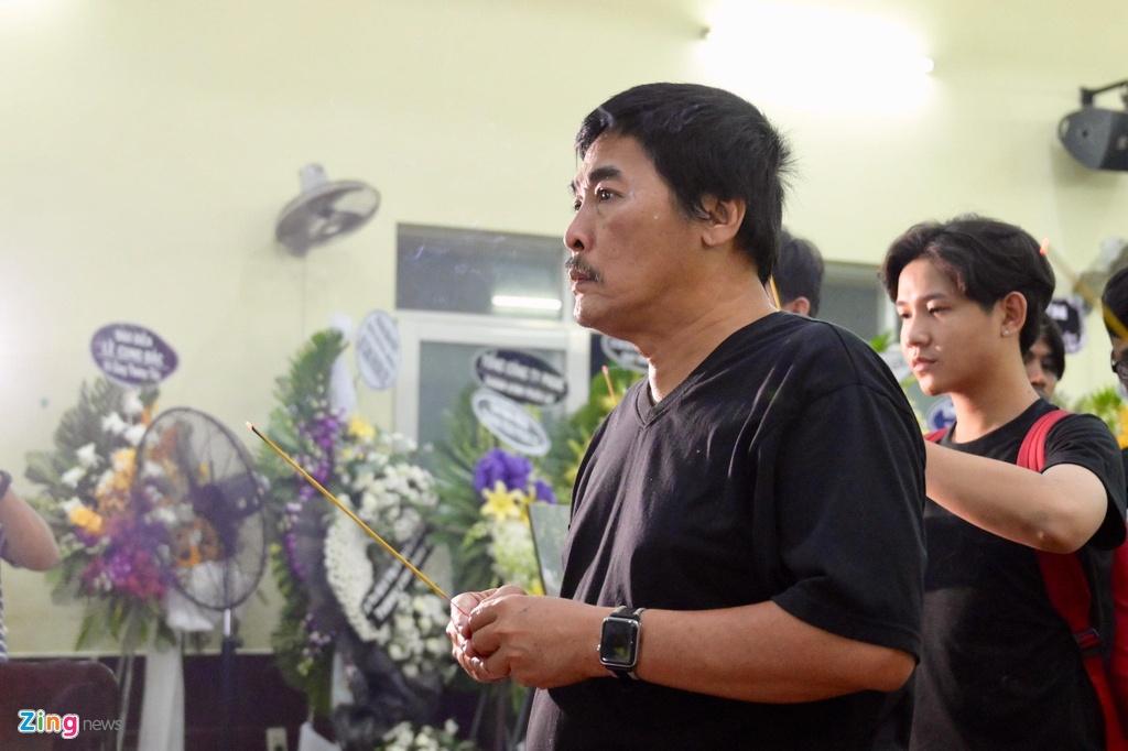 Hung Thuan 'Dat phuong Nam' va cac dien vien tien biet nghe si Le Binh hinh anh 4