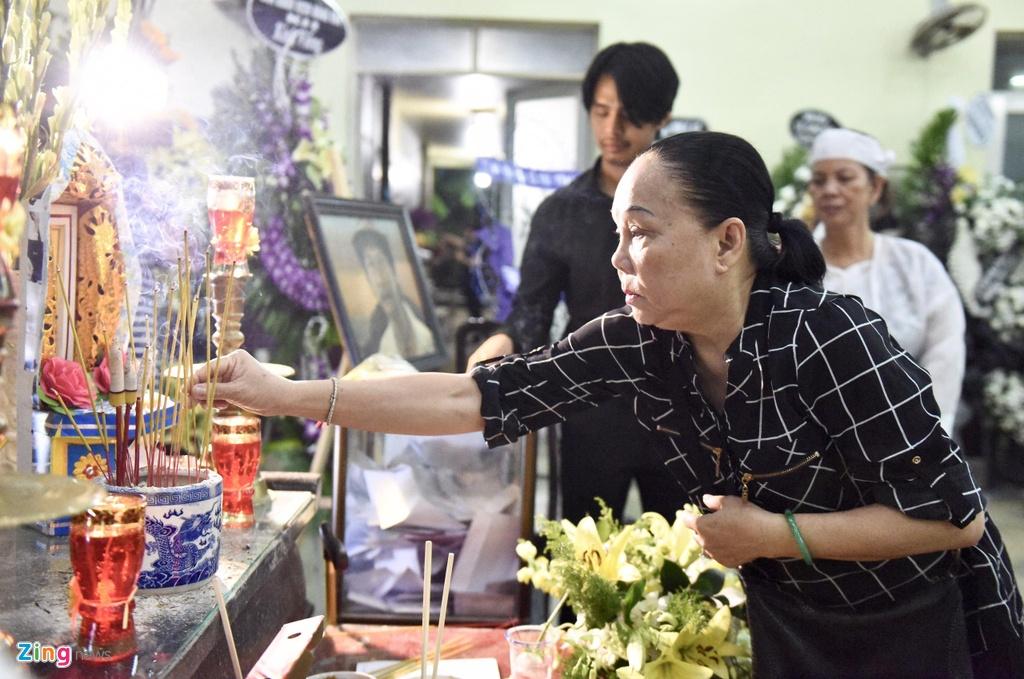 Hung Thuan 'Dat phuong Nam' va cac dien vien tien biet nghe si Le Binh hinh anh 7