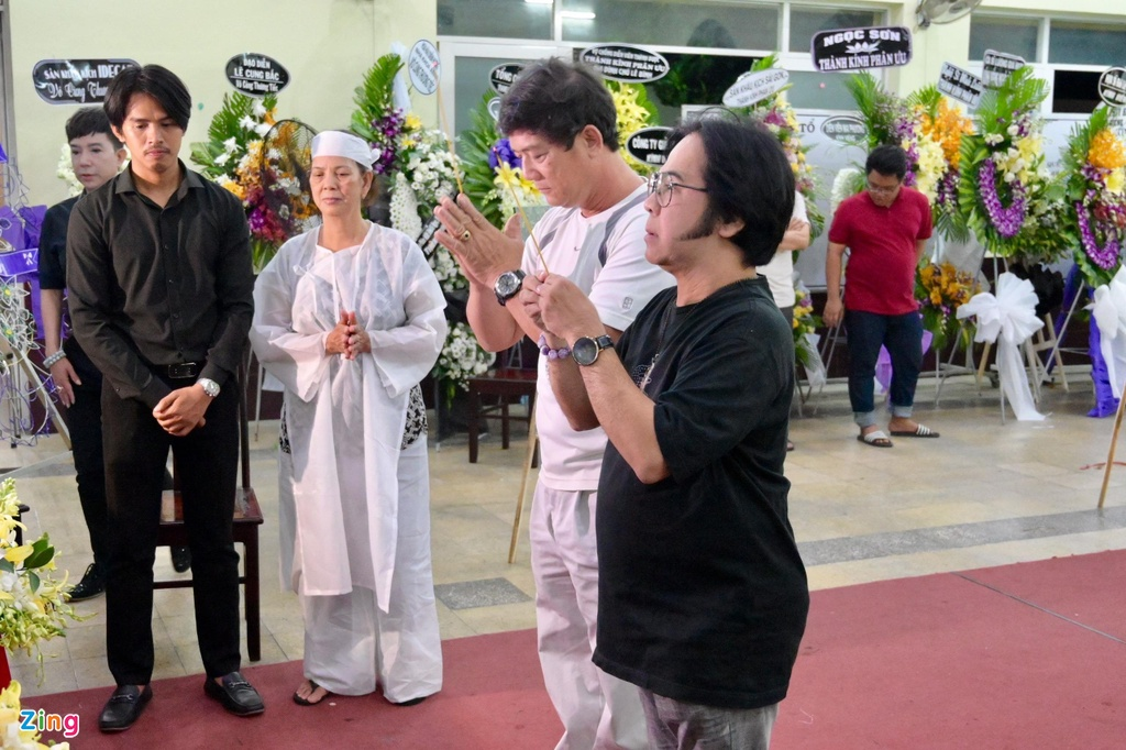 Hung Thuan 'Dat phuong Nam' va cac dien vien tien biet nghe si Le Binh hinh anh 8