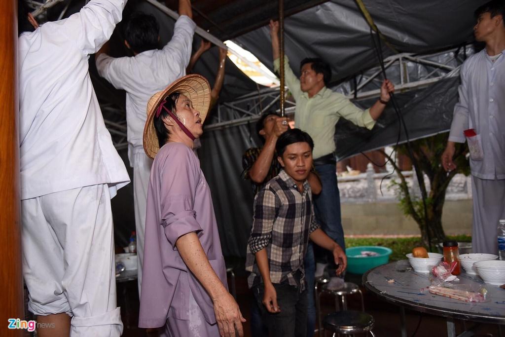 Vi sao Hoai Linh vang mat o hang loat game show truyen hinh? hinh anh 3