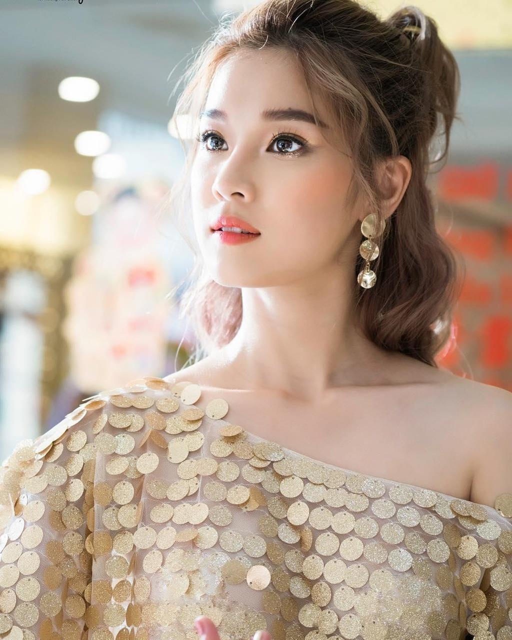 Hoang Yen Chibi: 'Toi mua them duoc nha va xe chi sau mot bo phim' hinh anh 4