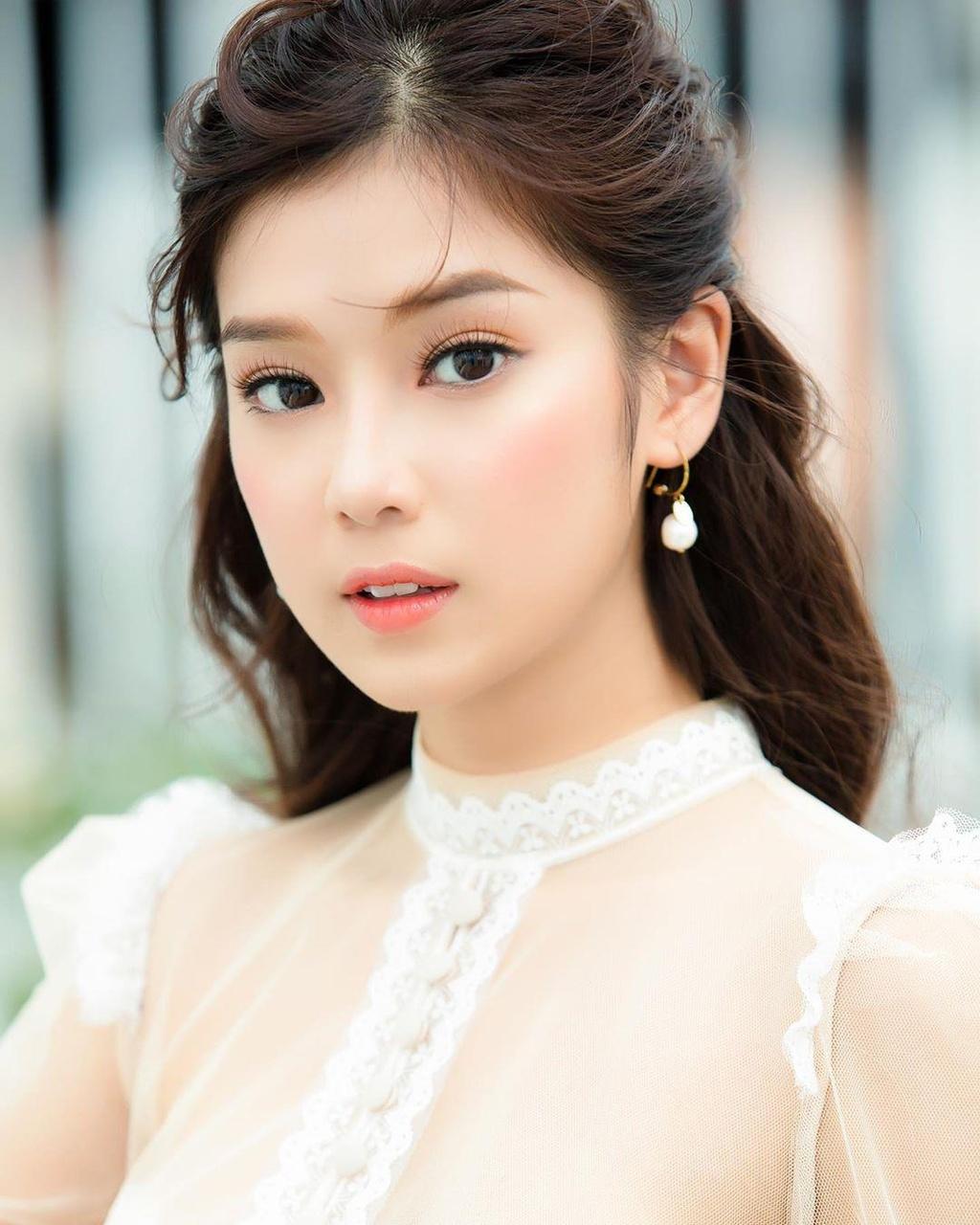 Hoang Yen Chibi: 'Toi mua them duoc nha va xe chi sau mot bo phim' hinh anh 5