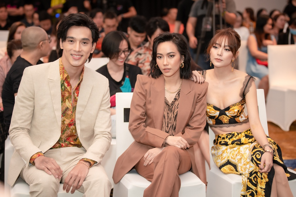 Quoc Truong om hon Bao Anh tren san khau hinh anh 10 NQP4259.jpg