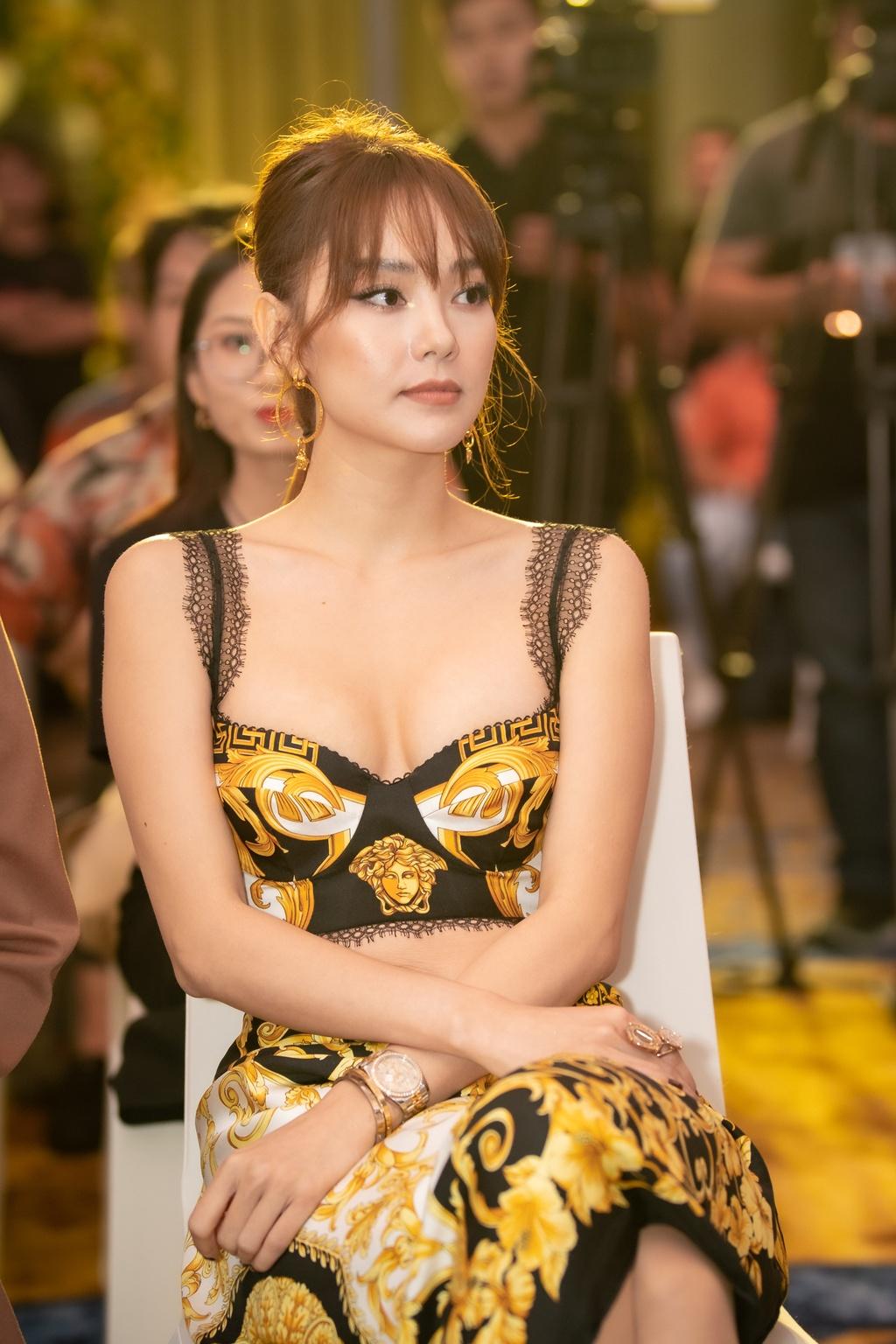 Quoc Truong om hon Bao Anh tren san khau hinh anh 9 NQP4311.jpg