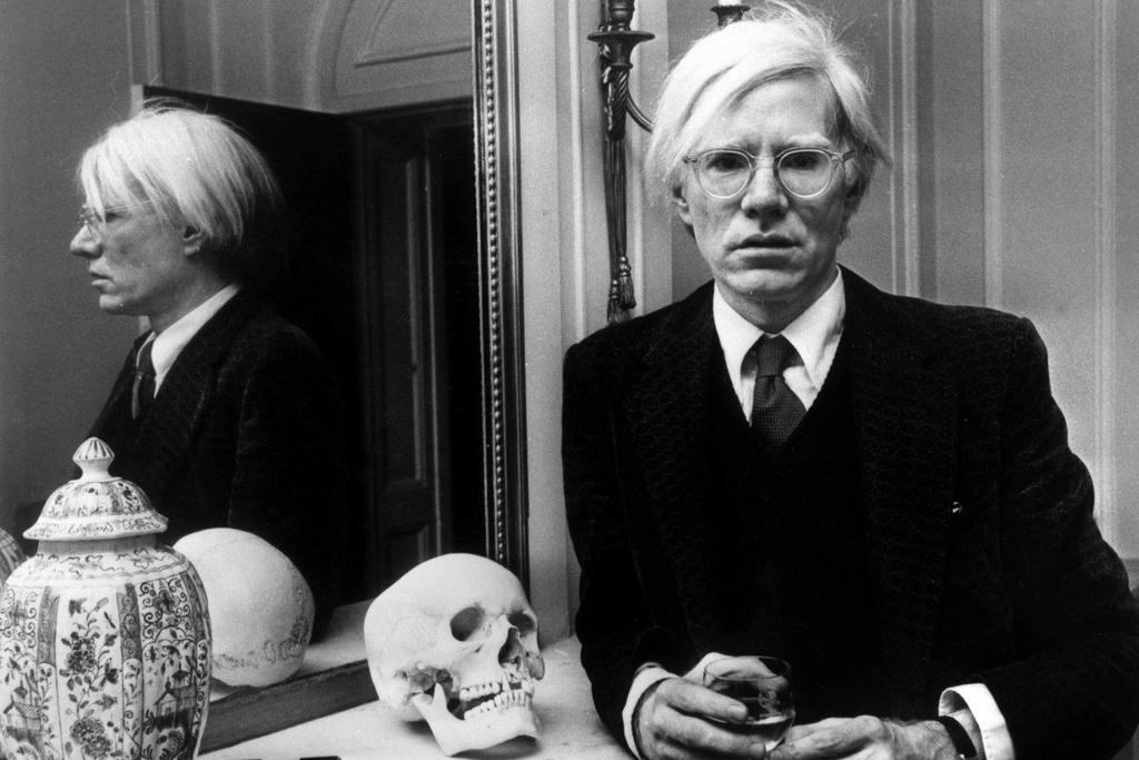 Andy Warhol lap di,  song buong tha anh 1
