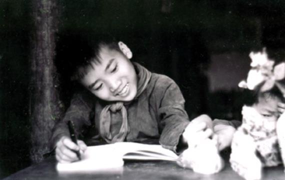 Xuan Dieu - nguoi thay thi ca cua Tran Dang Khoa anh 2
