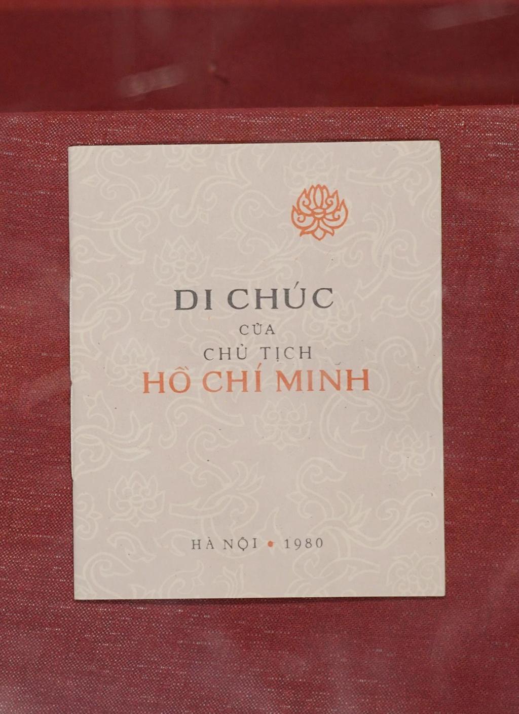 Hoc tap, lam theo Di chuc nam 1969 duoc to chuc nhu the nao? hinh anh 2