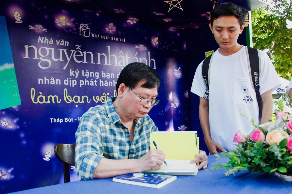 Nha van Nguyen Nhat Anh mong 'Mat biec' chuyen tai dung thong diep hinh anh 1