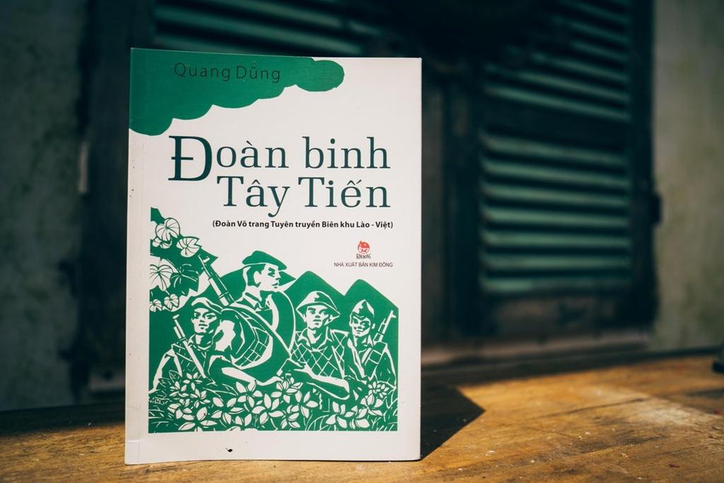 10 cuon sach thieu nhi hay nhat 2019 cua NXB Kim Dong hinh anh 3 Doan_binh_Tay_Tien_-_Quang_Dung_-_NXB_Kim_Dong_(2).jpg