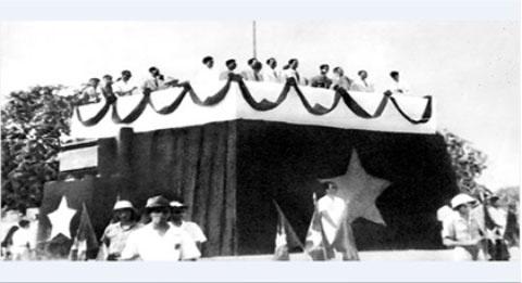Khong khi ngay 2/9/1945 anh 1