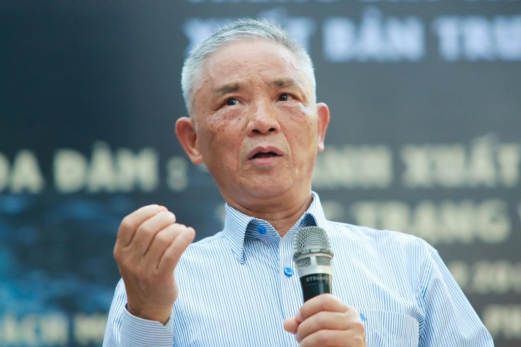 Nha phe binh Vuong Tri Nhan va giac mo ve nhung 'ong trum xuat ban' hinh anh 1