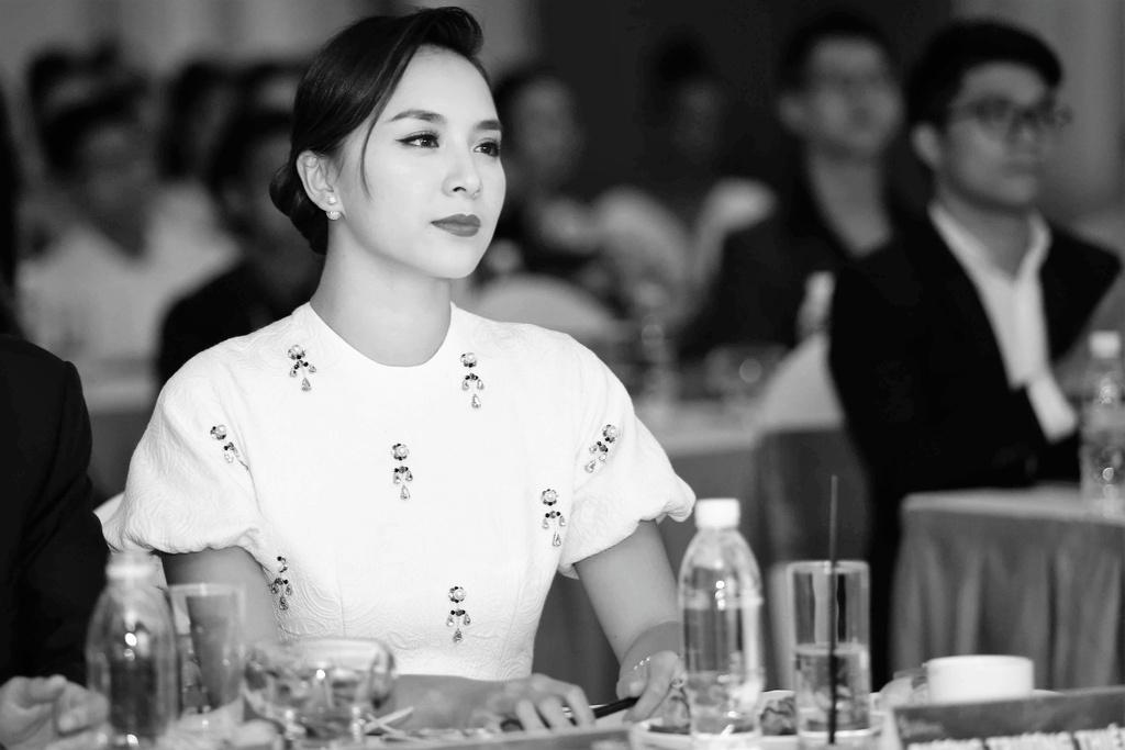 Thien Ly: 'Ngay tu dau H'Hen Nie da khien ban giam khao cam dong' hinh anh 3