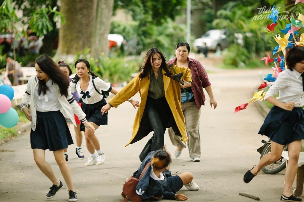 Nhung chi tiet vo ly, phan giao duc trong phim 'Thang nam ruc ro' hinh anh 2