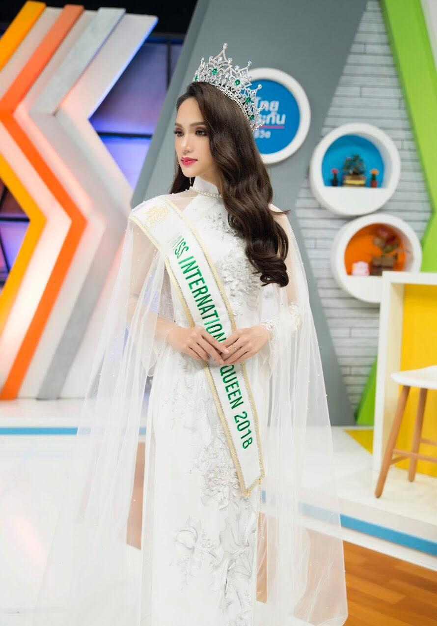 Huong Giang: Tu hinh anh sexy, MV 18+ den ngoi vi hoa hau hinh anh 5