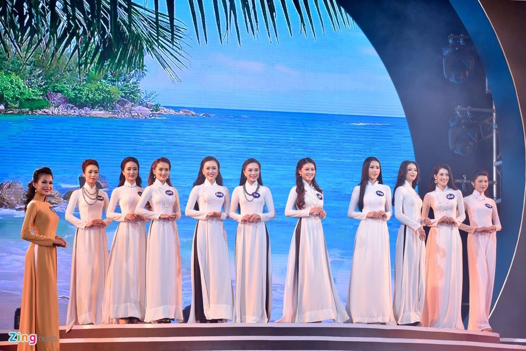 Chung ket Hoa hau Bien Viet Nam: Co gai Tien Giang 19 tuoi len ngoi hinh anh 3