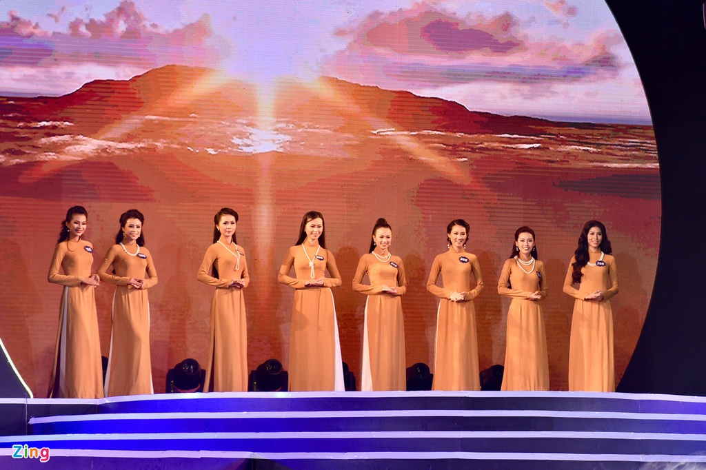 Chung ket Hoa hau Bien Viet Nam: Co gai Tien Giang 19 tuoi len ngoi hinh anh 4