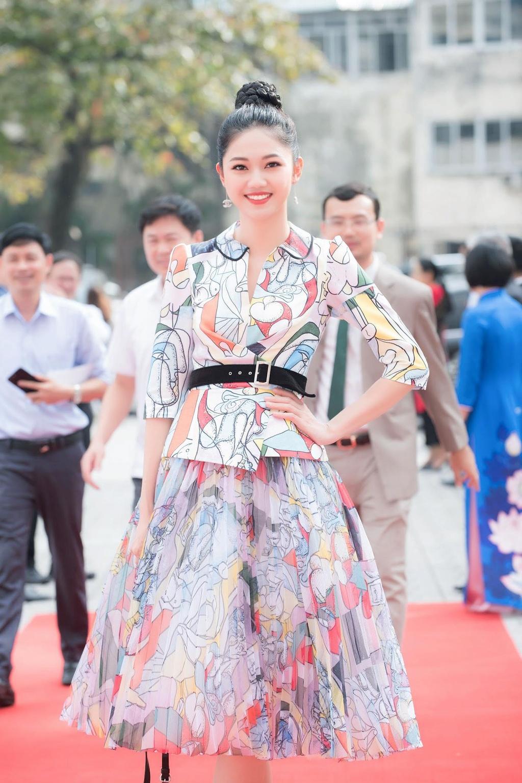 A hau Thanh Tu: Ban trai lon tuoi sap cuoi la moi tinh dau hinh anh 1