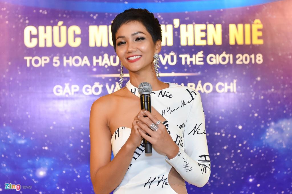 H'Hen Nie xin loi vi lam mat nhan dat tien cua Le Hang o Miss Universe hinh anh 3