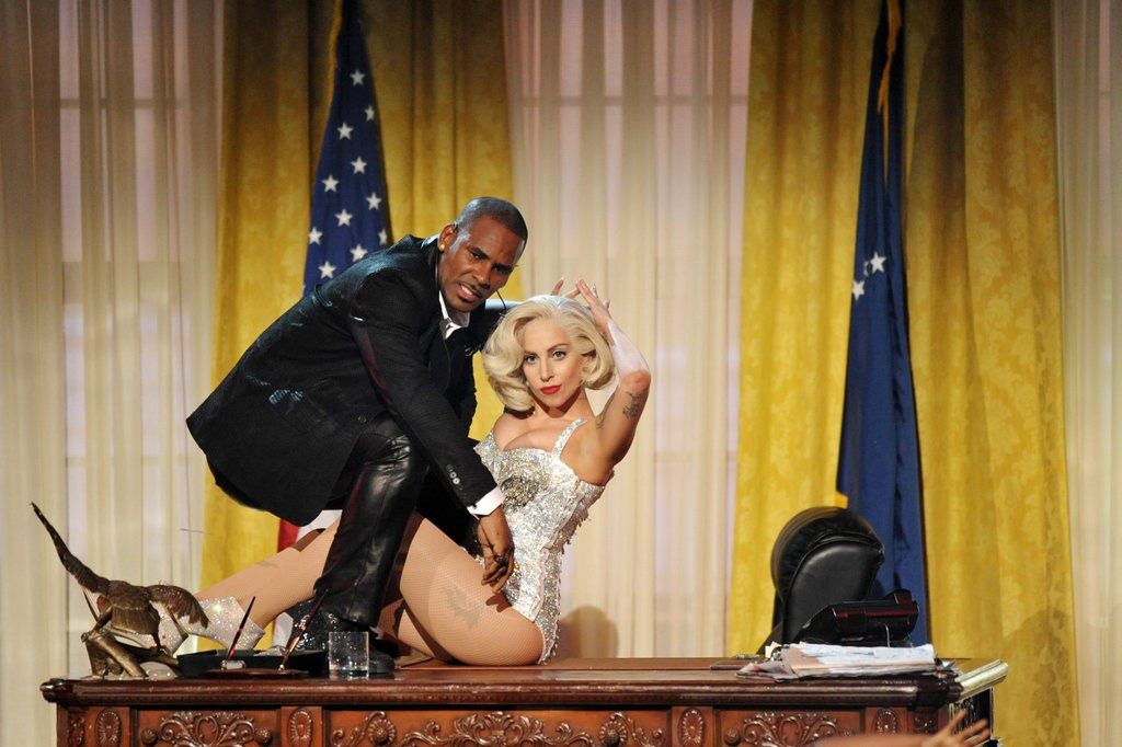 Co gi trong bai hat 'quay roi tinh duc' khien Lady Gaga phai xau ho hinh anh 1