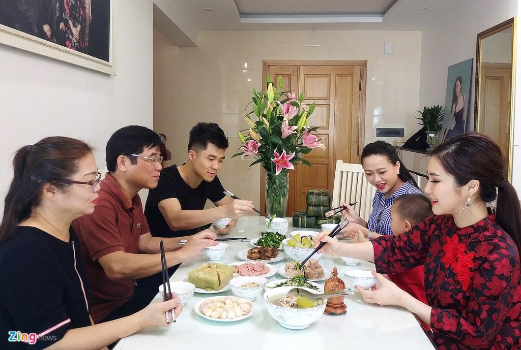 Huong Tram va gia dinh don Tet trong can ho penthouse o Nghe An hinh anh 14