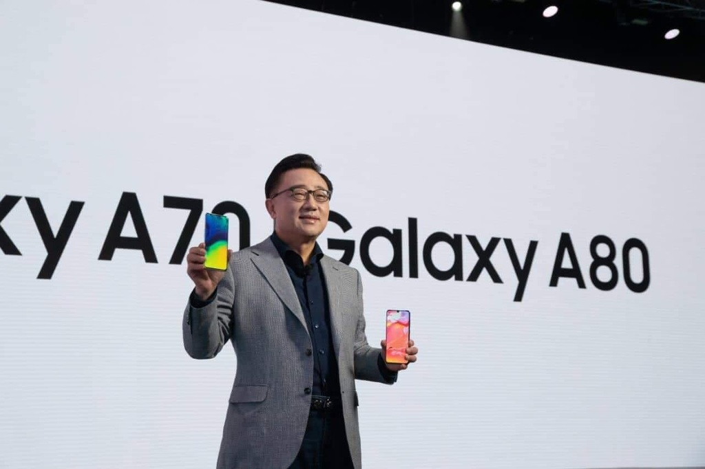 Sau man ra mat Galaxy A80, mot kieu smartphone moi sap duoc khai pha hinh anh 2