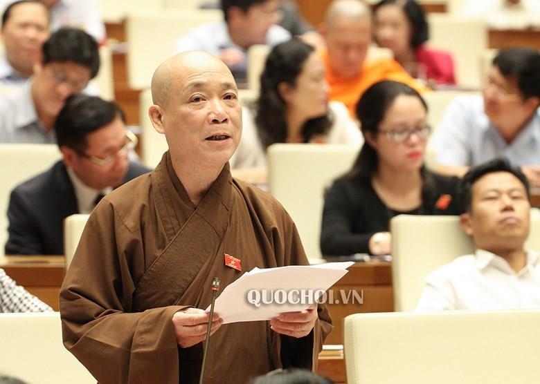 'Khong co cong chuc nao gop tien xay chua de kinh doanh, huong loi' hinh anh 2