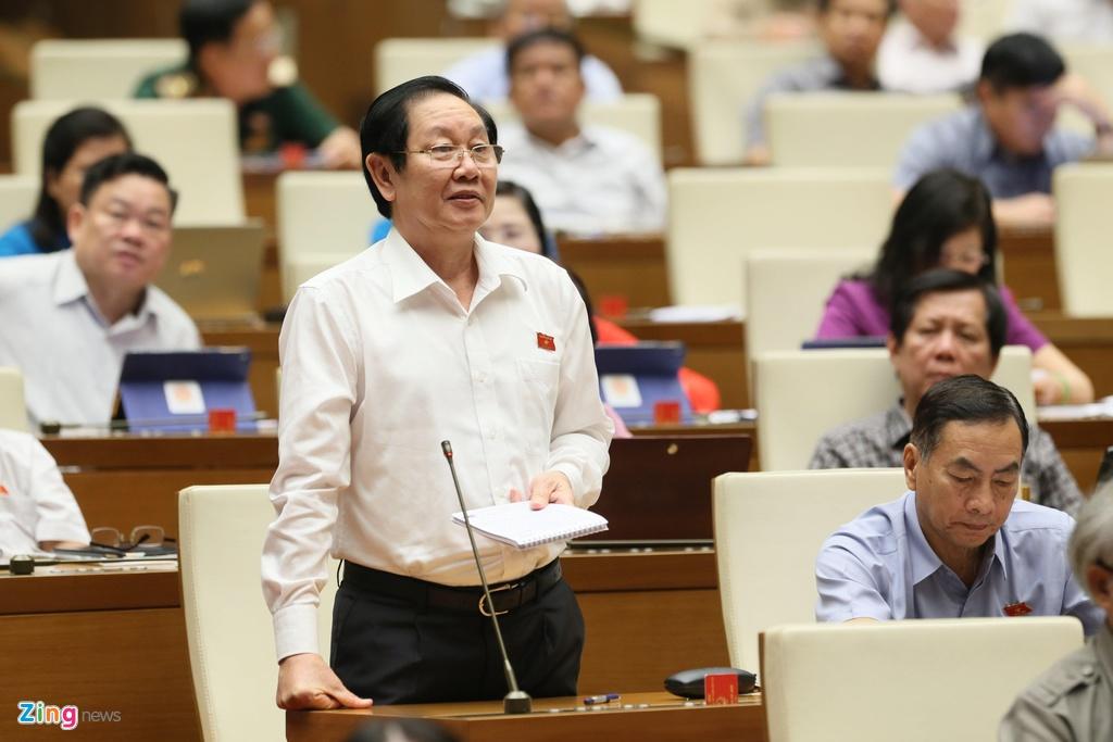 'Khong co cong chuc nao gop tien xay chua de kinh doanh, huong loi' hinh anh 1