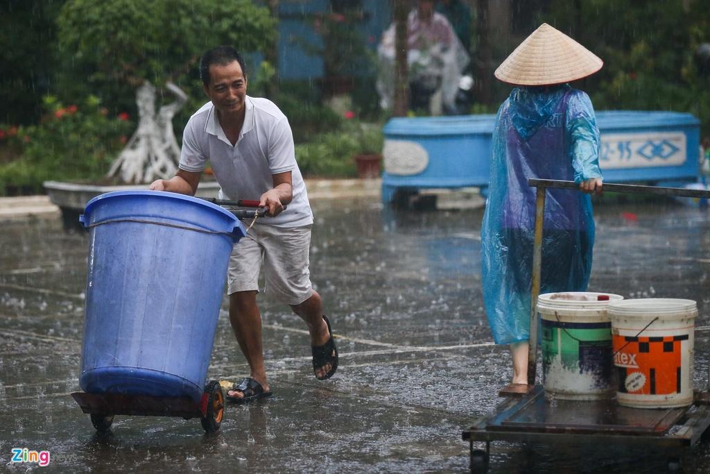 Vụ nước sông Đà nhiễm dầu thải: Xử nghiêm để lấy lại niềm tin của dân