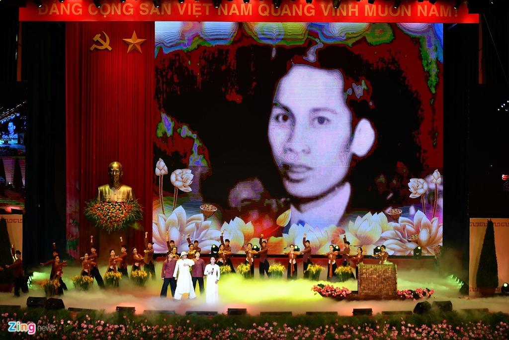 Tong bi thu: '79 mua Xuan cua Nguoi la bieu tuong cao dep nhat' hinh anh 5 1_zing.jpg