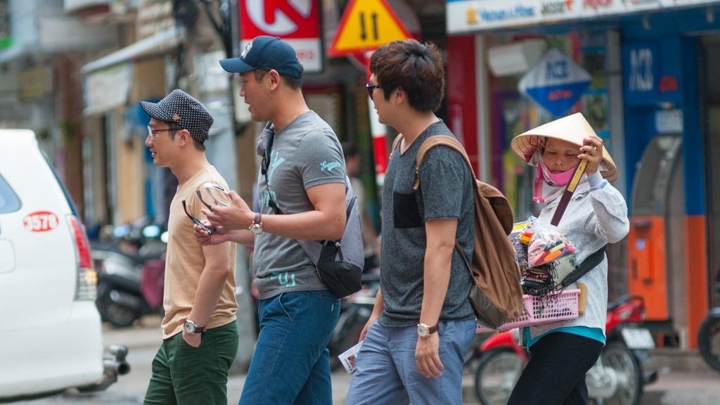 Khach san, hang lu hanh lai dieu dung vi khach Han Quoc giam do dich hinh anh 2 zing_hq1.jpg  - zing_hq1 - Khách sạn, hãng lữ hành lại điêu đứng vì khách Hàn Quốc giảm do dịch