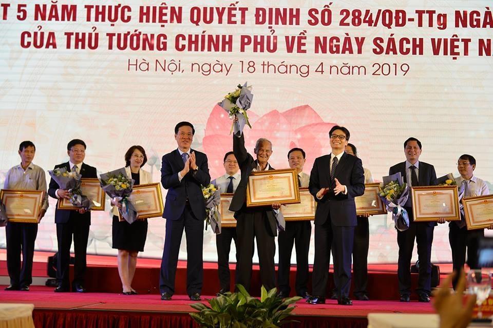 'Ngay sach Viet Nam' chan hung net dep van hoa lau doi hinh anh 3
