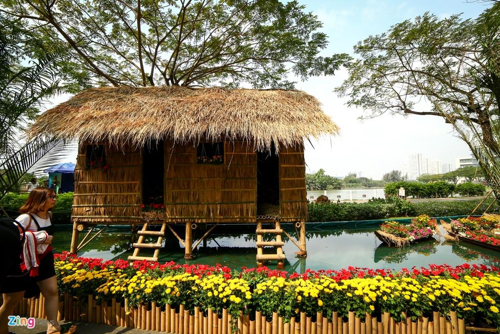 Hoi hoa xuan khu nha giau Phu My Hung hinh anh 5