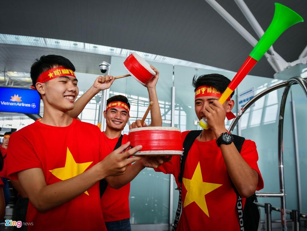 CDV Sai Gon, Ha Noi sang Philippines tiep lua cho tuyen Viet Nam hinh anh 14