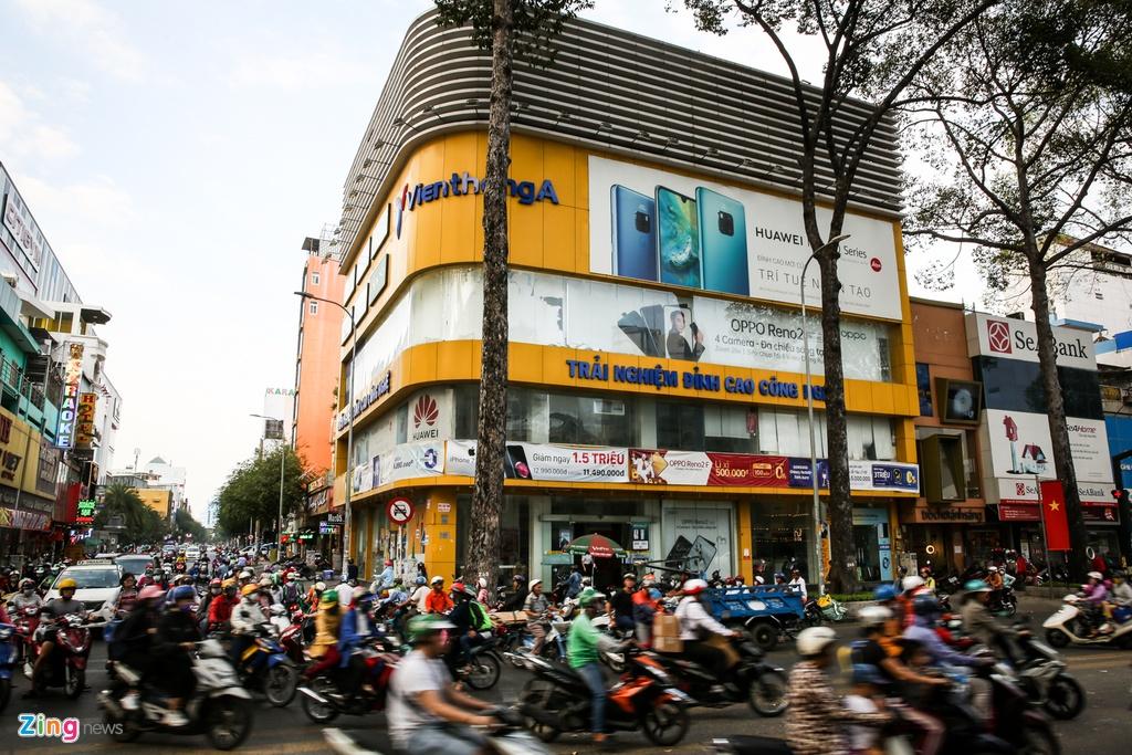 Chuoi cua hang Vien Thong A dong cua dong loat hinh anh 5 VienthongA_zing_10.jpg