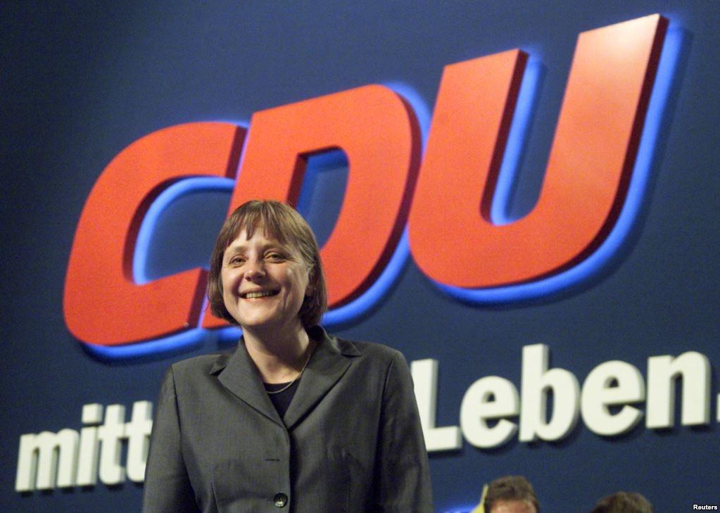 Merkel rut lui, chau Au doi mat thach thuc lon nhat ke tu 1930 hinh anh 1