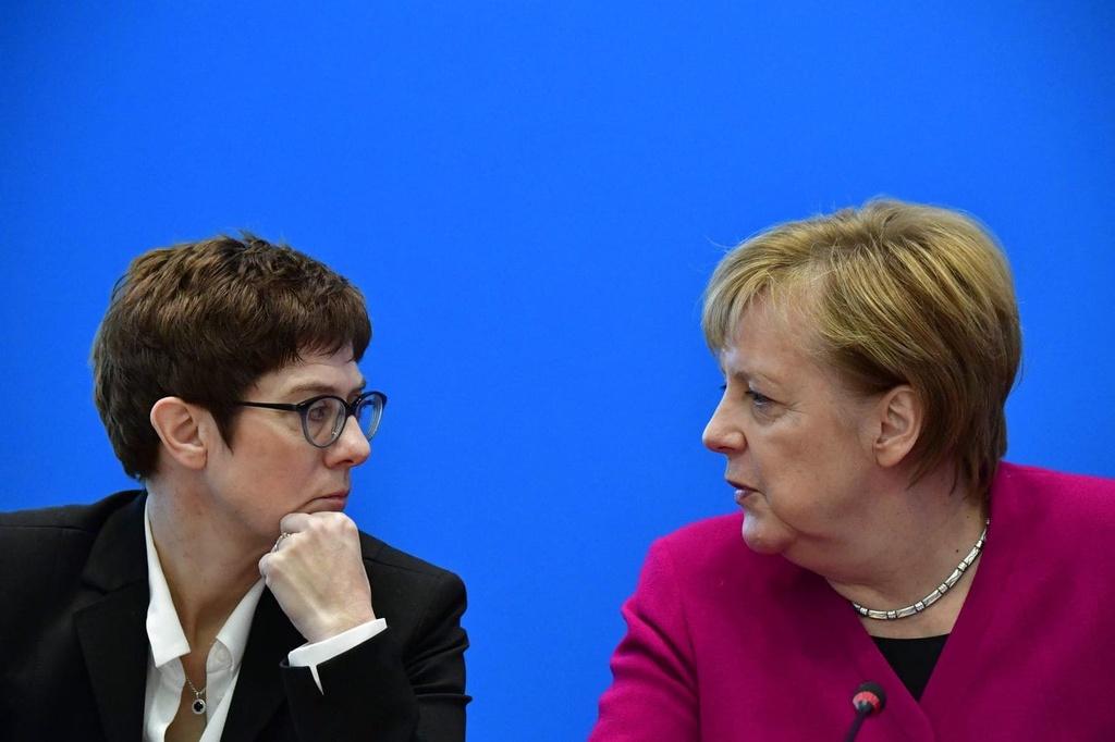 Dang CDU quyet dinh nguoi ke nhiem ba Merkel hinh anh 1