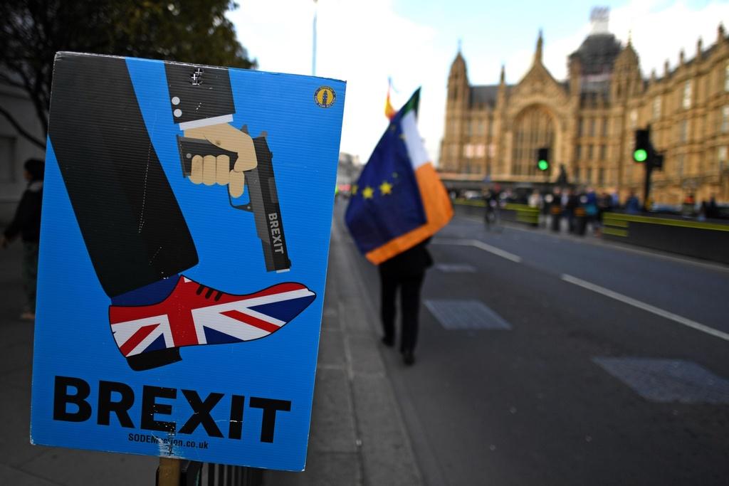Bi kich hay hai kich: Nguoi Anh hoang mang ve Brexit hinh anh 2