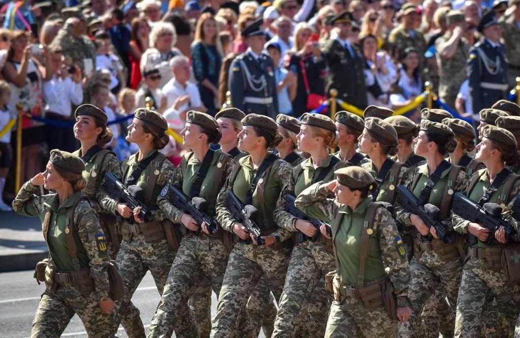binh si nu Ukraine bi xam hai tinh duc anh 3