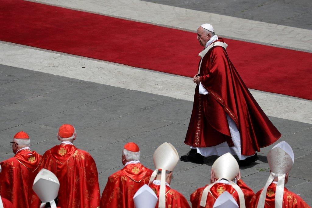 Vatican cho phep linh muc lay vo anh 2