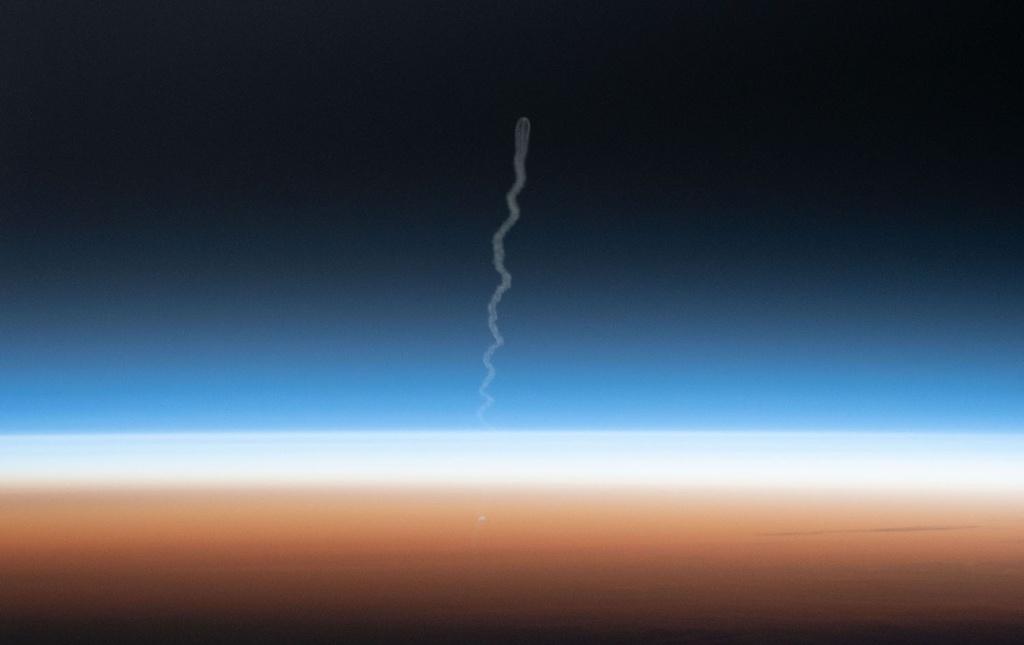 Khung canh ky vi khi tau vu tru Nga duoc phong len ISS hinh anh 10