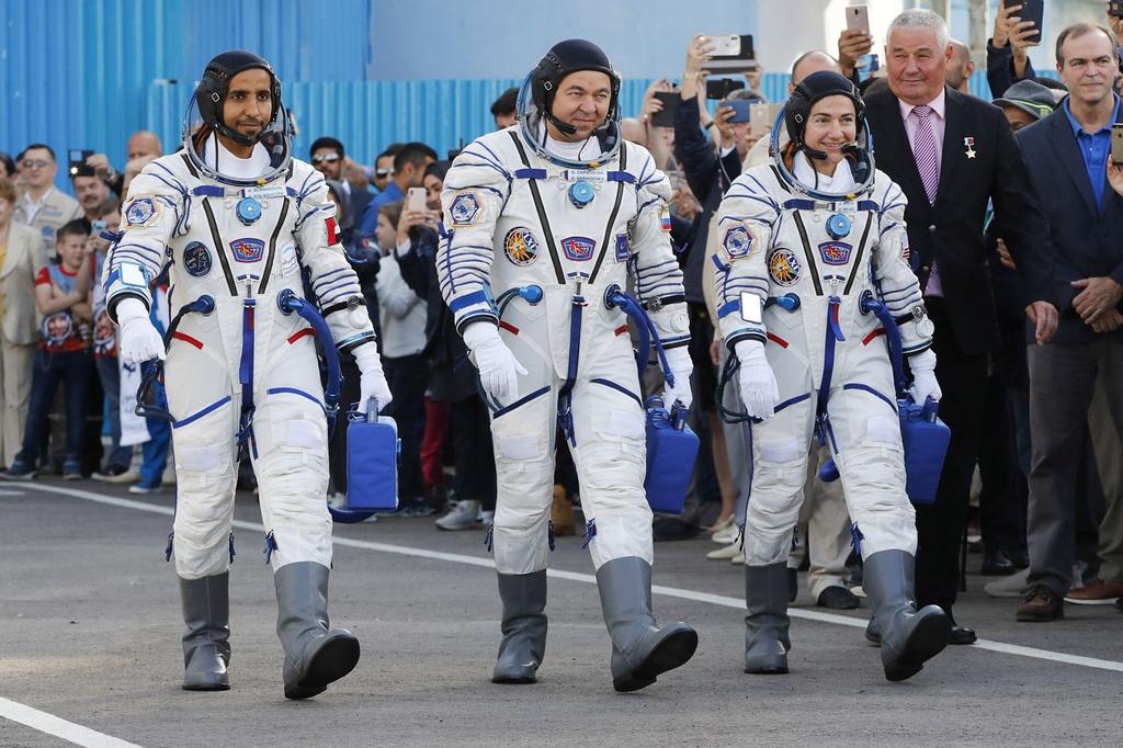 Khung canh ky vi khi tau vu tru Nga duoc phong len ISS hinh anh 5