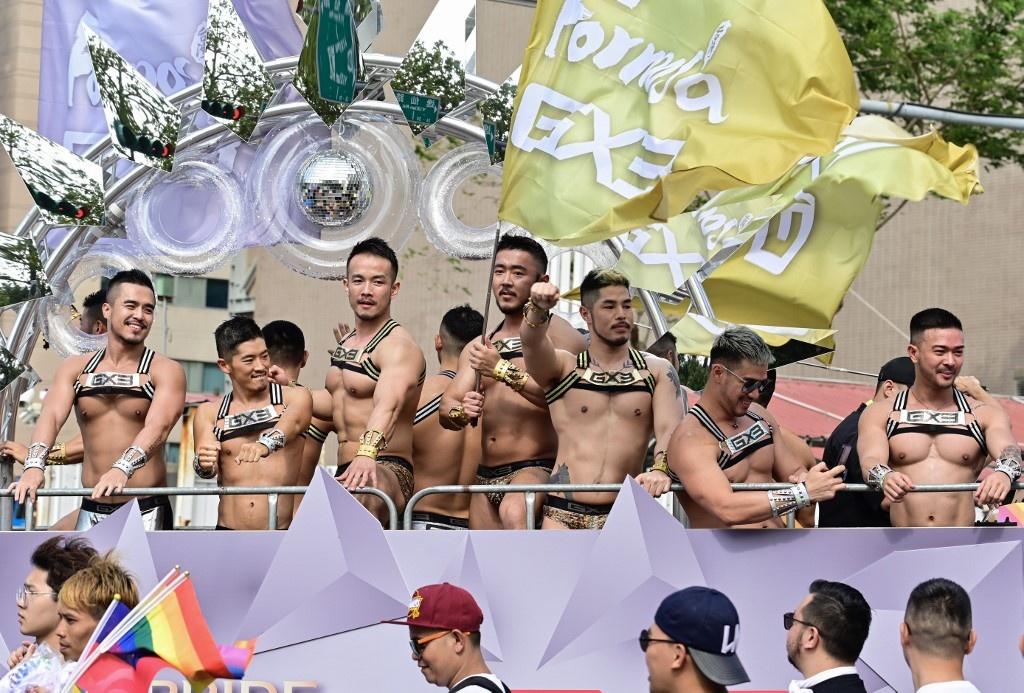 Dai Loan ruc ro voi Gay Pride dau tien sau hop phap hon nhan dong gioi hinh anh 3