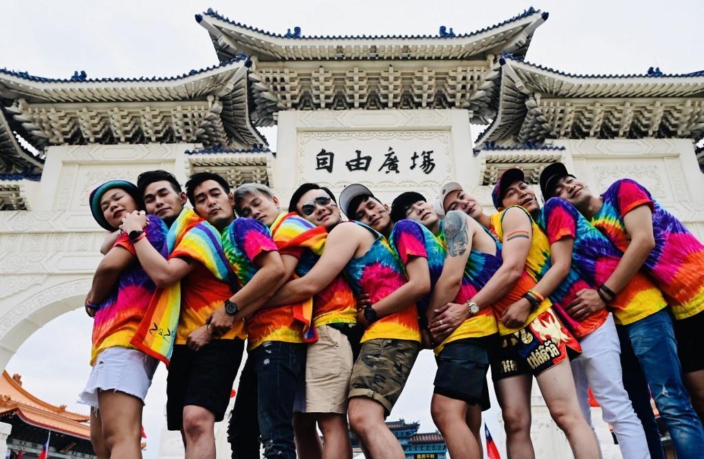 Dai Loan ruc ro voi Gay Pride dau tien sau hop phap hon nhan dong gioi hinh anh 7