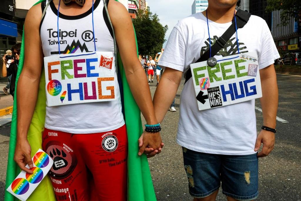 Dai Loan ruc ro voi Gay Pride dau tien sau hop phap hon nhan dong gioi hinh anh 9