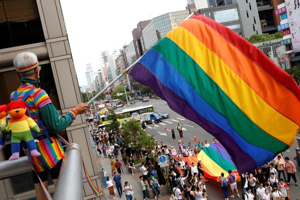 Dai Loan ruc ro voi Gay Pride dau tien sau hop phap hon nhan dong gioi hinh anh 8