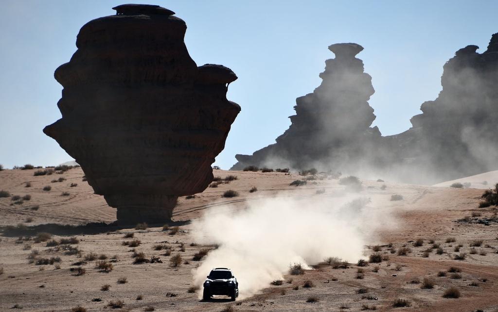 Choang ngop tren duong dua giua nui cao va vuc sau tai Dakar Rally hinh anh 7 7.jpg