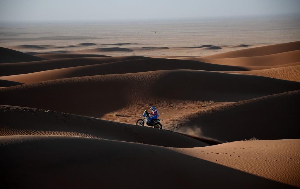 Choang ngop tren duong dua giua nui cao va vuc sau tai Dakar Rally hinh anh 8 8.jpg