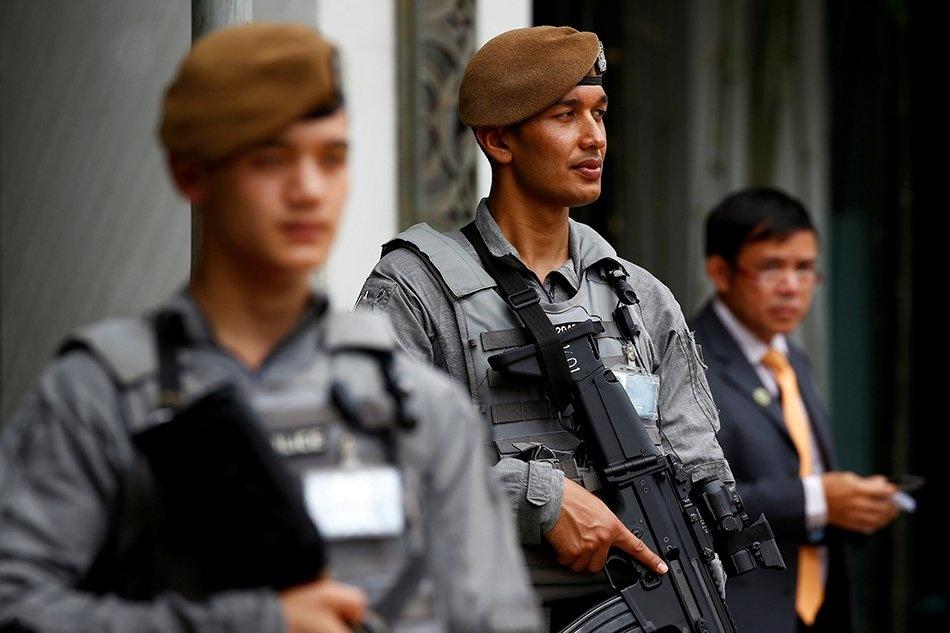 Dac nhiem Gurkha san sang bao ve thuong dinh Trump - Kim hinh anh 8